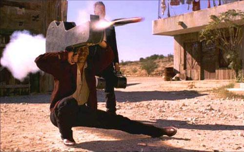 ギターケースといえば、映画『デスペラード』も忘れられませんw