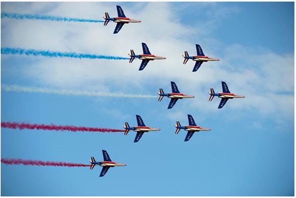 【世界のアクロバット飛行】フランス空軍 パトルイユ・ド・フランス【曲芸飛行】 | さばなび